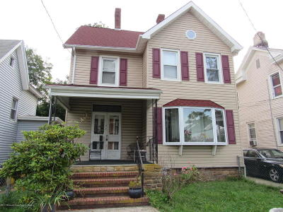 Freehold Single Family Home For Sale: 8 Conover Street
