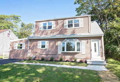 Toms River Single Family Home For Sale: 24 Fairway Drive