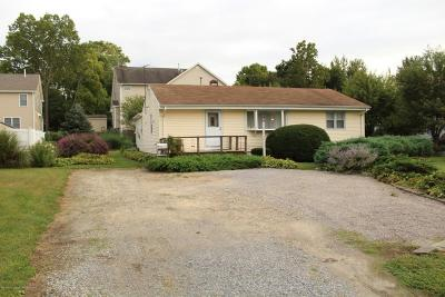 Monmouth County Single Family Home For Sale: 1294 Eatontown Boulevard