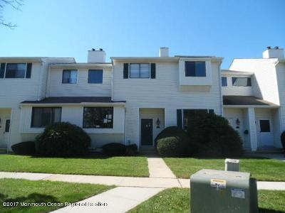 Monmouth County Condo/Townhouse For Sale: 472 Clubhouse Drive