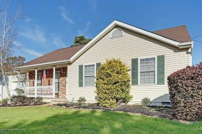 Ocean County Single Family Home For Sale: 700 Meadow Lane
