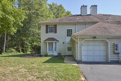 Middletown Condo/Townhouse Under Contract: 1203 Buckingham Circle #57