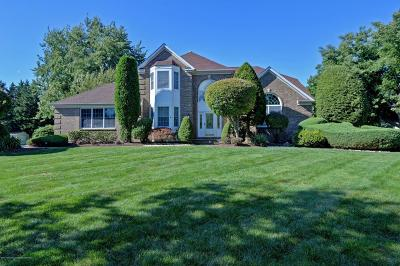 Freehold Single Family Home Under Contract: 32 Sheffield Drive