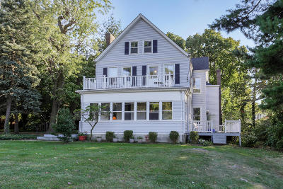 Atlantic Highlands Single Family Home For Sale: 135 Center Avenue