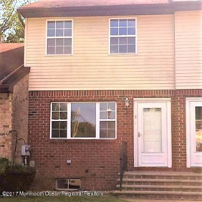 Brick Condo/Townhouse Under Contract: 3 Kitty Court