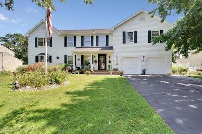 Brick Single Family Home For Sale: 33 Oak Knoll Drive