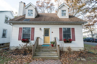 Point Pleasant Single Family Home For Sale: 901 River Avenue