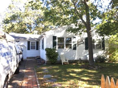 Point Pleasant Single Family Home For Sale: 2411 Oak Street