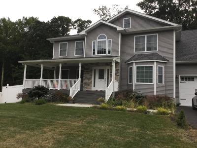 Holmdel Single Family Home For Sale: 5 Plum Lane
