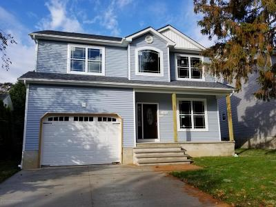 Toms River Single Family Home For Sale: 48 A Gouverneur Avenue