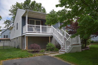 Middletown Single Family Home For Sale: 631 Monmouth Avenue