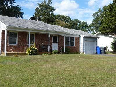 Toms River Single Family Home For Sale: 274 Constitution Avenue