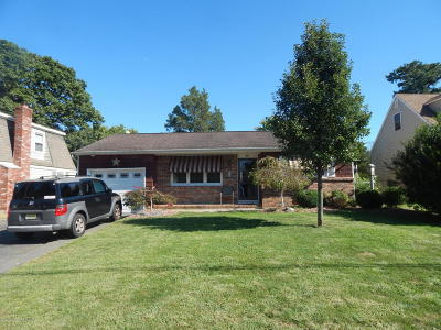 Toms River Single Family Home For Sale: 29 Heather Road