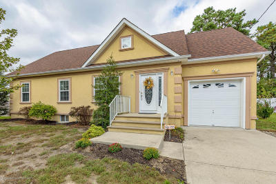 Toms River Single Family Home For Sale: 825 10th Avenue