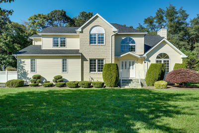 Eatontown Single Family Home For Sale: 60 Jamestown Road