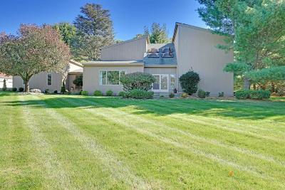 Holmdel Single Family Home For Sale: 12 Cottonwood Lane