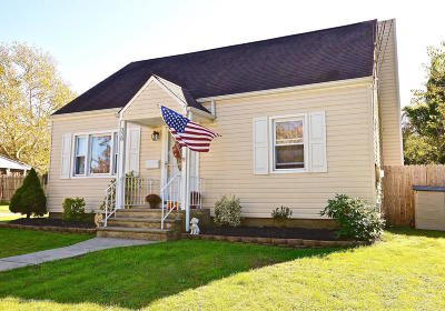 Middletown Single Family Home For Sale: 338 Springfield Avenue