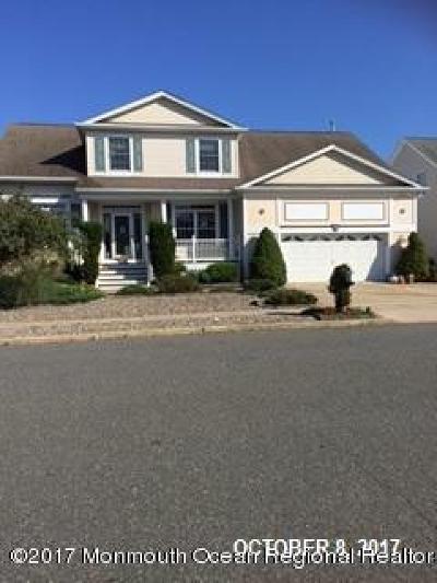 Lanoka Harbor NJ Single Family Home For Sale: $570,000