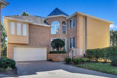 Holmdel Single Family Home For Sale: 137 Beaver Brook Court