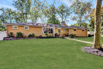 Holmdel Single Family Home For Sale: 22 Orchard Avenue