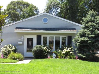Point Pleasant Single Family Home For Sale: 2228 Kenneth Road