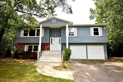Howell Single Family Home For Sale: 88 Pine Needle Street