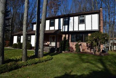 Middletown Single Family Home For Sale: 11 Omega Court