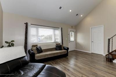 Brick Single Family Home For Sale: 6 E Esplanade