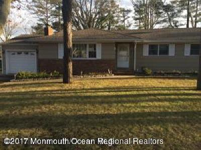 Toms River Single Family Home For Sale: 31 Williamsburg Drive