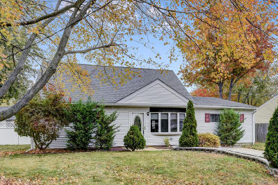 Hazlet Single Family Home For Sale: 15 Roland Place