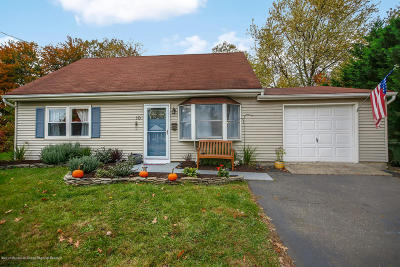 Hazlet Single Family Home For Sale: 10 Monterey Drive