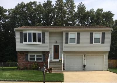 Howell Single Family Home For Sale: 5 Conifer Street