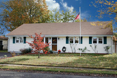 Hazlet Single Family Home For Sale: 8 Pacific Terrace