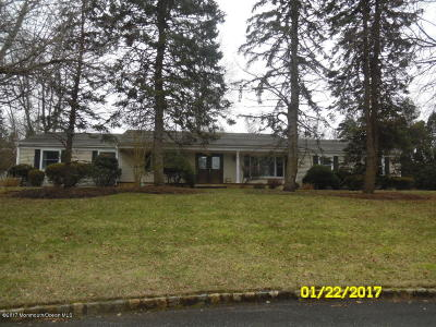 Holmdel Single Family Home For Sale: 10 Wyndmoor Way