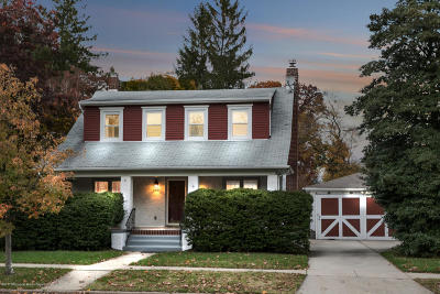 Freehold Single Family Home For Sale: 65 Brinckerhoff Avenue