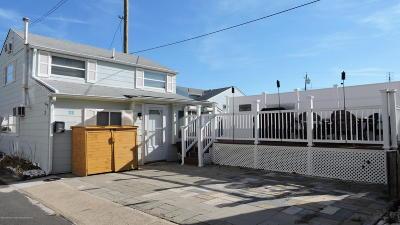 Lavallette Single Family Home For Sale: 21 E Shore Way