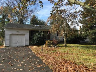 Point Pleasant Single Family Home For Sale: 320 Eastham Road