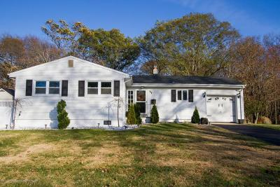 Hazlet Single Family Home For Sale: 17 Chestnut Drive