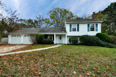 Toms River Single Family Home For Sale: 985 Cedar Grove Road