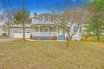 Monmouth County Single Family Home For Sale: 82 Gordons Corner Road