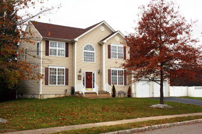 Ocean County Single Family Home For Sale: 3 Cabin Brook Crescent