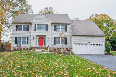 Monmouth County Single Family Home For Sale: 709 Leonardville Road