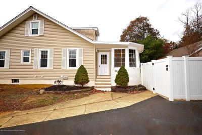 Monmouth County Single Family Home For Sale: 92 Oak Hill Road