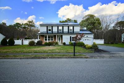 Ocean County Single Family Home For Sale: 210 Pheasant Hollow Drive