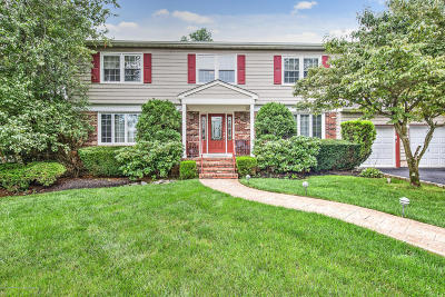 Monmouth County Single Family Home For Sale: 5 Mitchell Court