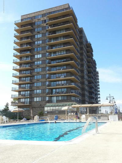 Monmouth County Condo/Townhouse For Sale: 55 Ocean Avenue #14-F