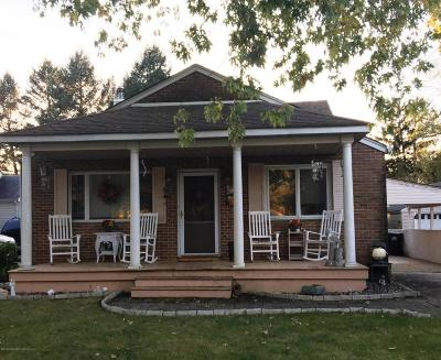 Freehold NJ Single Family Home For Sale: $389,900