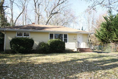 Middletown Single Family Home Under Contract: 1 Rosewood Terrace