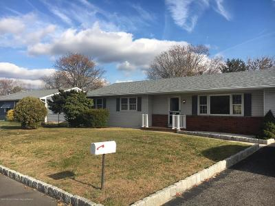 Brick Single Family Home For Sale: 333 Essex Drive