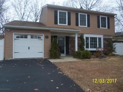 Howell Single Family Home Under Contract: 13 Flintlock Drive